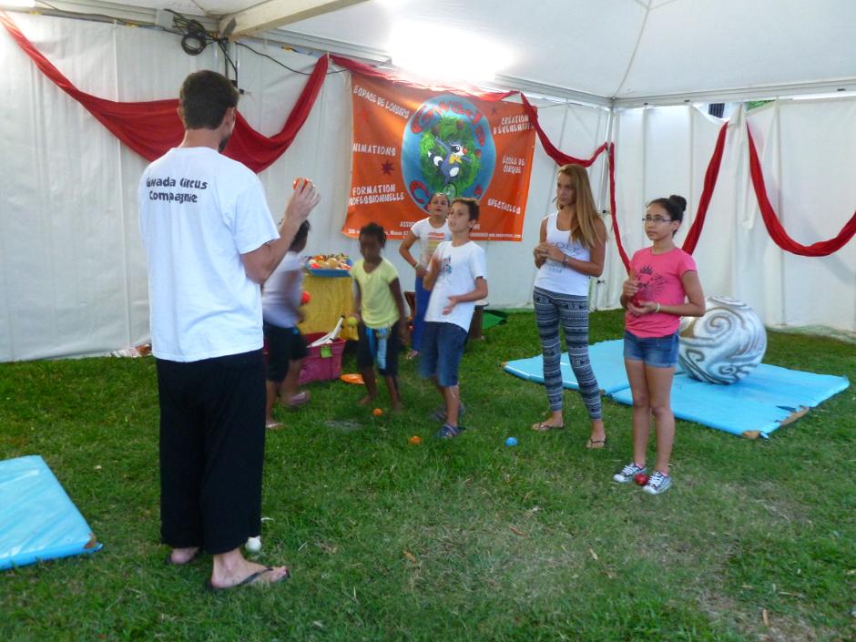 Atelier de jonglerie en Guadeloupe pour la ville des Abymes