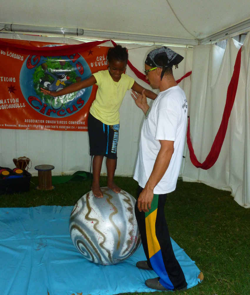 equilibre-boule-guadeloupe-abymes